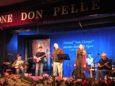 I Grandi & fanti, vincitori del 16° Festival della Canzone in Lingua Ligure sul palco del teatro Don Pelle di Albenga