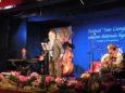 I Mandillà: il gruppo di Moneglia ha vinto il premio per il miglior testo con il brano «Mi no son comme o Segnò», scritto da Marco Vaccarezza e intensamente interpretato sul palco da Giuseppe Avanzino