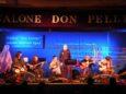 I Grandi & fanti sul palco del Teatro Don Pelle di Albenga nella serata delle semifinali