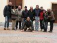 La band e tutto lo staff a Toirano, dopo la visita delle famose grotte: davanti a tutti Andrea, autista ufficiale e insostituibile animatore